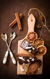Rebanadas de la torta de chocolate Foto de archivo