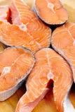 Rebanadas de los salmones rojos Imagen de archivo libre de regalías