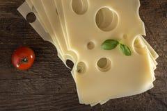 Rebanadas de queso del emmental imágenes de archivo libres de regalías