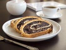 Rebanadas de torta de la amapola Imagen de archivo libre de regalías