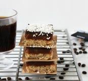 rebanadas del Caramelo-coco fotografía de archivo