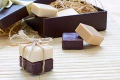 Rebanadas del jabón en rectángulo de regalo Imágenes de archivo libres de regalías