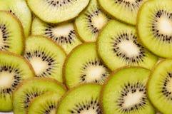 Rebanadas del kiwi Imágenes de archivo libres de regalías