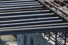 Rebar en acier dans un chantier de construction dans un chantier de construction Photographie stock