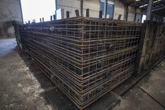 Rebar konstruuje wspierać cementowego obje przeplatany i przygotowany obraz stock