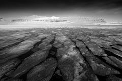 Rebecca 36 Land van ijs Het de winternoordpoolgebied Witte sneeuwberg, blauwe gletsjer Svalbard, Noorwegen Ijs in oceaan Ijsbergs stock fotografie