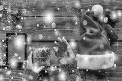 Rebecca 36 Noël, le cadeau de nouvelle année, femme, configuration plate Achats en ligne, ventes célébration, paquet, surprise, images stock