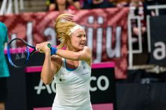Rebecca Sramkova under den första runda leken för världsgrupp II mellan laget Lettland och laget Slovakien royaltyfri bild