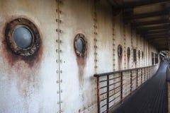 Rebites da vigia da cabine do navio Imagem de Stock