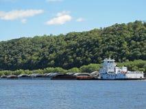 Rebocador e barcas do rio Mississípi Foto de Stock Royalty Free