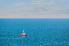 Rebocador no mar Fotografia de Stock Royalty Free