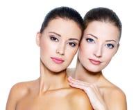 Reboque mulheres 'sexy' bonitas Imagem de Stock Royalty Free