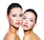 Reboque mulheres 'sexy' bonitas Fotografia de Stock