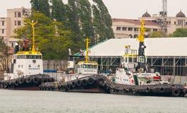 Reboquees de estacionamento do fuzileiro naval no porto de Burgas em Bulgária Imagem de Stock Royalty Free