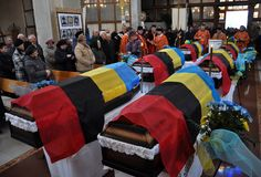 Reburiallen av 52 offer av fascism - de ukrainska patrioterna Royaltyfri Foto