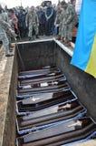 Reburiallen av 52 offer av fascism - de ukrainska patrioterna Royaltyfria Bilder