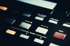 Rec y botones de reproducción en el controlador midi Imagen de archivo