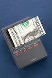 Recarregando o dólar americano Fotografia de Stock Royalty Free