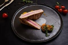 Receita culinária do restaurante cru do bife fotos de stock
