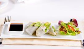 Receita fresca asiática saboroso de Rolls da mola Imagem de Stock