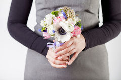 Receiving a beautifull spring bouquet Royalty Free Stock Photography
