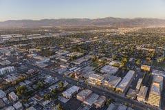 Recente Middag Luchtmening van Van Nuys Blvd in San Fernando stock foto's