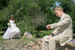 Recentemente una coppia sposata. immagini stock