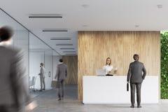 Recepção branca, escritório de madeira, pessoa Fotos de Stock Royalty Free
