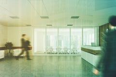 Recepção de madeira branca, lado da sala de reunião, pessoa Fotos de Stock Royalty Free