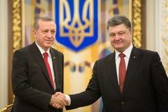 Recep Tayyip Erdogan och Petro Poroshenko Arkivfoto