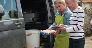 Recepción de entregas de la comida almacen de video
