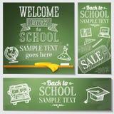 Recepción de nuevo a mensajes de la escuela en la pizarra Imágenes de archivo libres de regalías