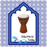 Recepción a la plantilla de la tarjeta de felicitación de Turquía con el tambor turco, la ventana del este del ornamento y el tex Fotografía de archivo