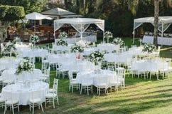 Recepción nupcial al aire libre Decoraciones de la boda Imagenes de archivo
