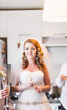 Recepción nupcial de Enjoying Meal At de novia y del novio Foto de archivo