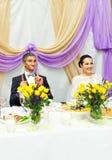 Recepción nupcial de Enjoying Meal At de novia y del novio Fotografía de archivo