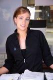 recepcjonistkę uśmiecha się Zdjęcia Stock