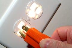 Receptáculo del enchufe de pared y enchufe eléctricos de la cuerda Fotos de archivo libres de regalías