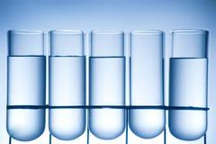 Receptor da química em um ambiance do laboratório imagens de stock
