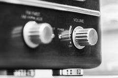 Receptor de rádio análogo velho foto de stock