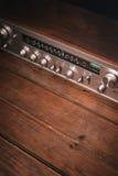 Receptor del vintage en un fondo de madera Foto de archivo