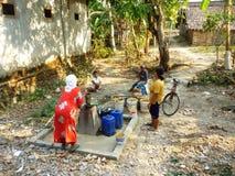 Recherchant l'eau due à la sécheresse Photos libres de droits
