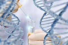 Recherche au-dessus de structure de molécule d'ADN Photos libres de droits