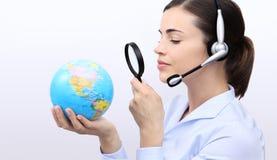 Recherche de concept, femme d'opérateur de service client avec le casque images stock