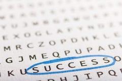 Recherche de Word, puzzle Concept au sujet de la conclusion, succès, affaires image stock