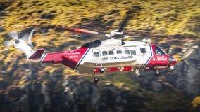 Recherche et délivrance d'hélicoptère de S.M. Coastgurad SAR Photo stock