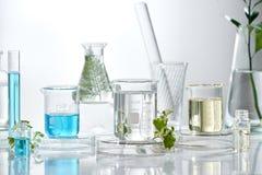 Recherche et développement cosmétique de laboratoire bio skinc de la science photos stock