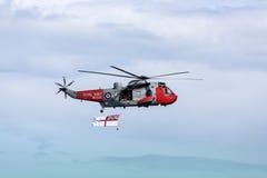 Recherche et hélicoptère de sauvetage Photographie stock libre de droits