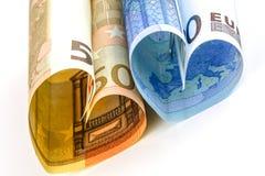Rechnung des Euros zwei in Form eines Herzens Stockfotos