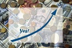 Rechnungen und Münzen des unterschiedlichen Nationshintergrundes mit Textbox Lizenzfreies Stockbild